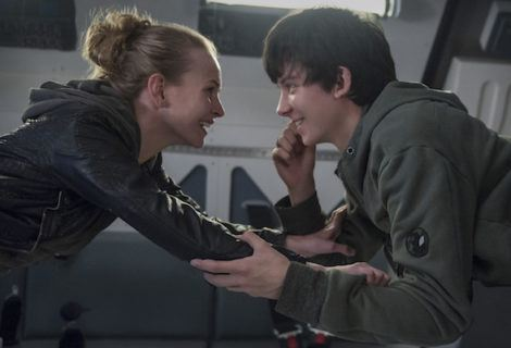 Review: Teen-Focused 'The Space Between Us' Is on Autopilot