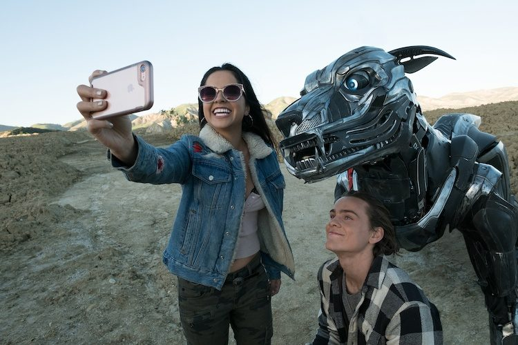 REVIEW: A.X.L. Meets Basic Boy-and-Robot-Dog Movie Requirements