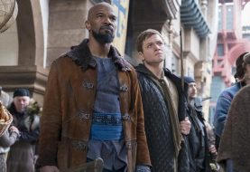 REVIEW: Crime Biopic <i>Robin Hood</i>