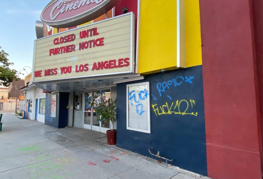 How Gimmickry Saved Movie Theaters